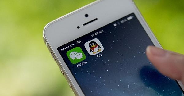 qq mobile vs wechat messaging apps download messenger apps. Black Bedroom Furniture Sets. Home Design Ideas
