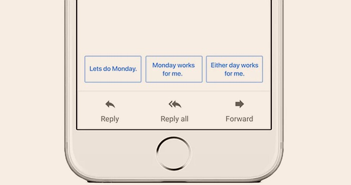 "Google extends the ""Smart Reply"" feature to Android and IOS"