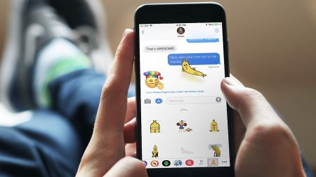 Top 5 iOS 10 iMessage Applications